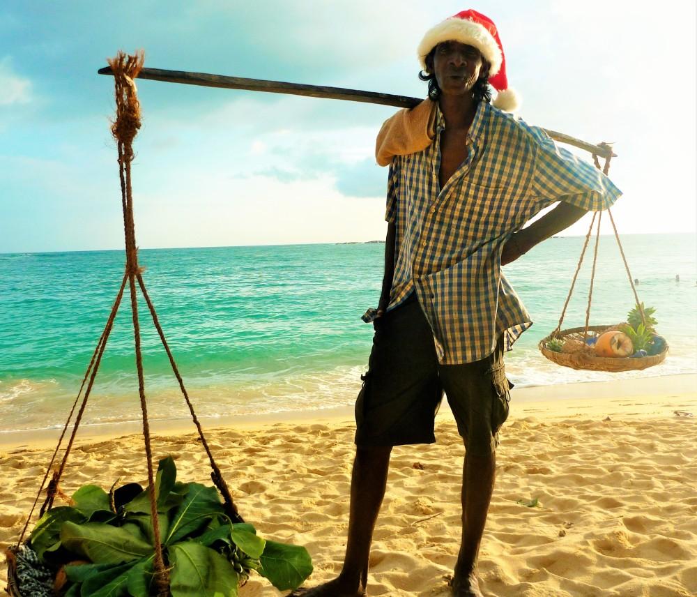https://roar.sgp1.digitaloceanspaces.com/Reports/2015/12/mango-santa-e1451026509409.jpg