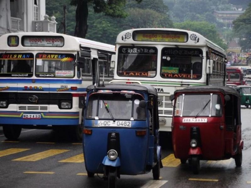 https://roar.sgp1.digitaloceanspaces.com/Reports/2016/12/Sri-Lanka-Traffic-e1304517938835-1.jpg